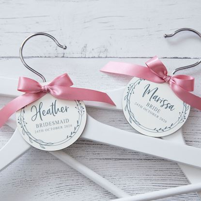 Picture of Delicate Wreath Wedding Hanger